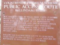 Notice of Right of Way on the former Kirriemuir Branch.<br><br>[Colin Harkins 31/08/2006]
