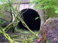 Western Portal of Kelvindale Tunnel... surprisingly no fence!<br><br>[Colin Harkins 22/04/2007]