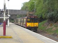 314 201 call at Pollokshields West with a Newton to Glasgow Central service on 2 May 2009<br><br>[David Panton 02/05/2009]