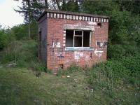 This well preserved gangers' hut is just South of the A4304, West of Junction 20 on the M1. Going by the graffiti, it is now used by quite a different sort of gang.<br><br>[Ken Strachan 12/05/2010]