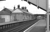 Looking east through Annan Station on 5 March 1989.<br><br>[Bill Roberton 05/03/1989]